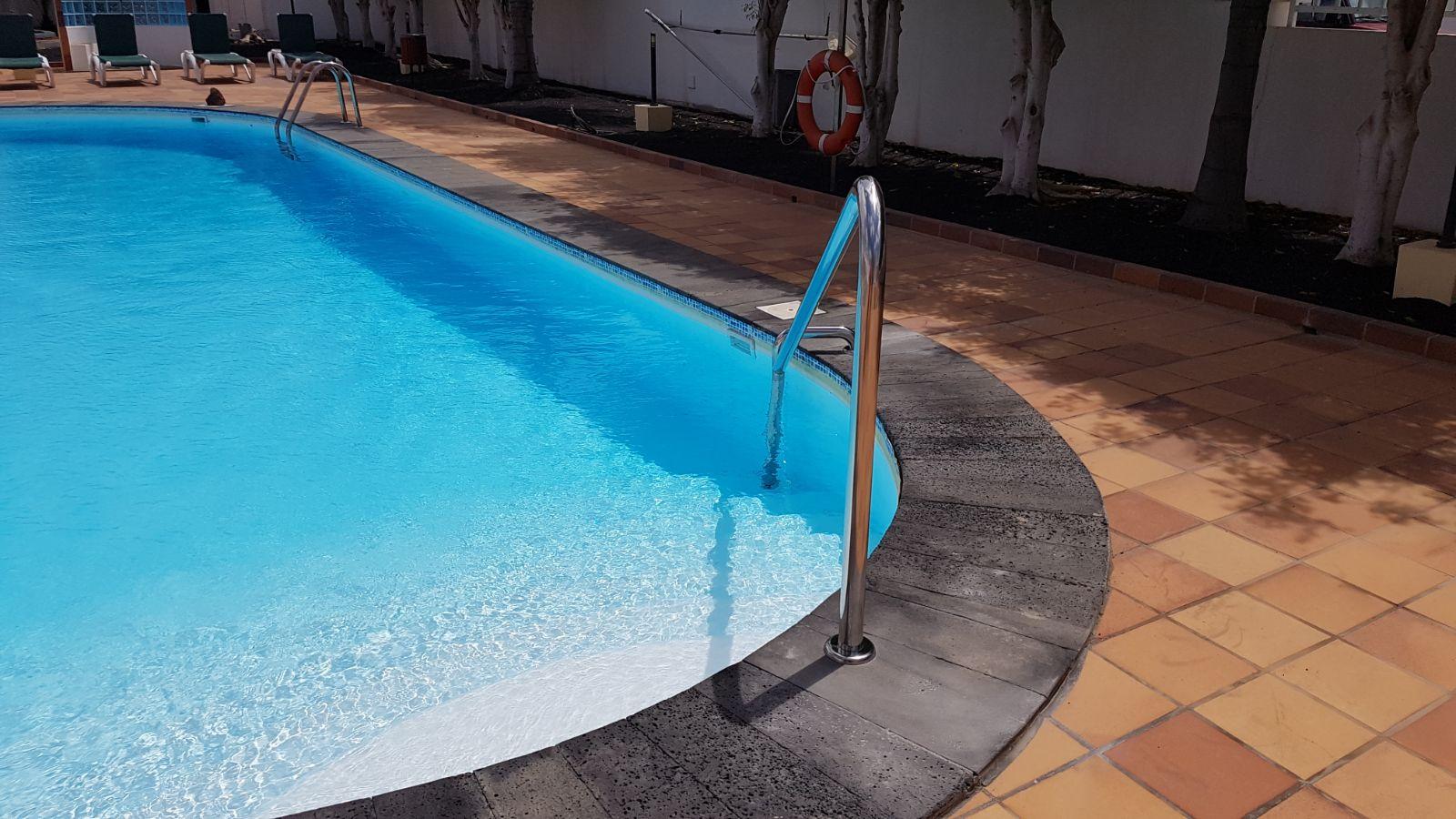 pasamanos piscina